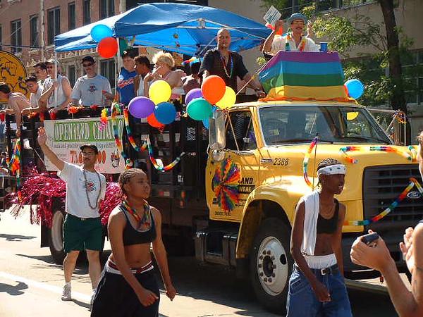 Pride Parade 2001-2.jpg