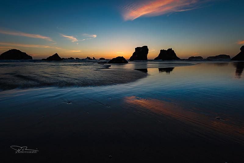 JM8_0854 Sunset Face Rock cloud reflec LPN r1.jpg