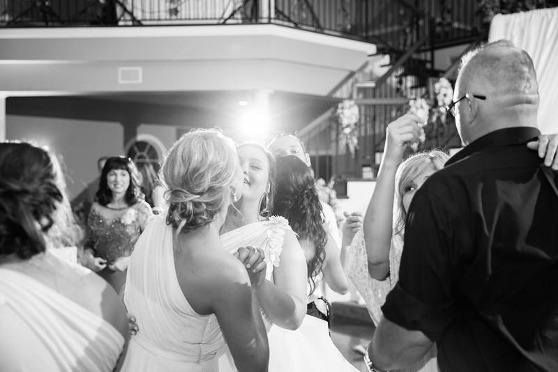 1171_Josh+Lindsey_WeddingBW.jpg