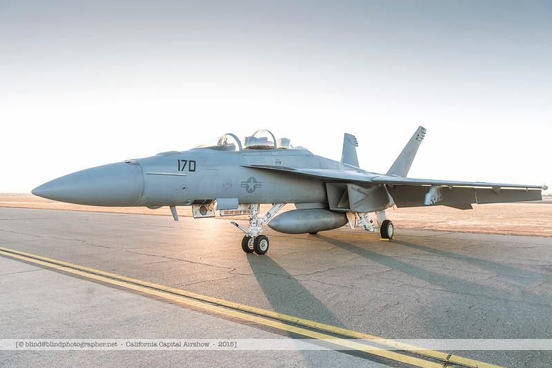 F20151003a072116_4666-F-18-Super Hornet-in the morning.jpg