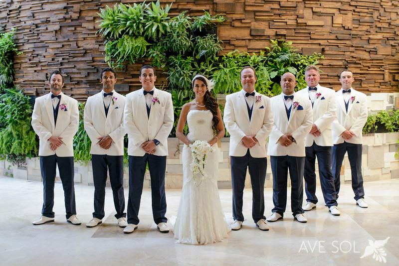 Cristina-Andrew-4-Newlyweds-39.jpg