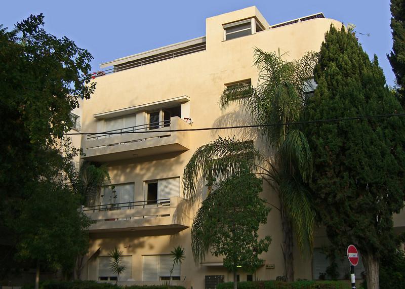 24-Bauhaus at No. 14 Shlomo HaMelech