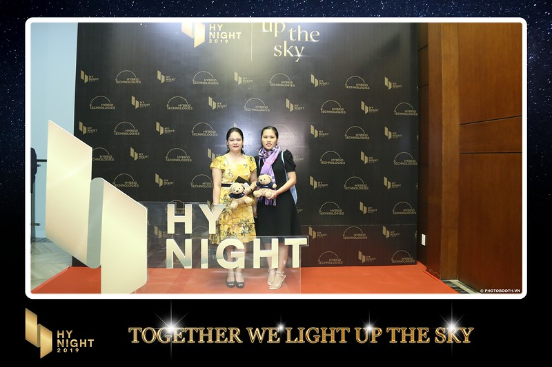 Buzz-Comm-Year-End-Party-instant-print-photo-booth-at-New-World-Saigon-Chup-hinh-lay-lien-Tat-nien-WefieBox-Photobooth-Vietnam-037.jpg