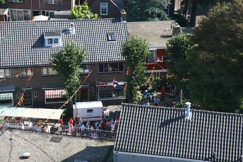 Het najaarsfeest van bovenaf bekeken. Najaarsfeest Oranjevereniging Katwijk aan den Rijn.