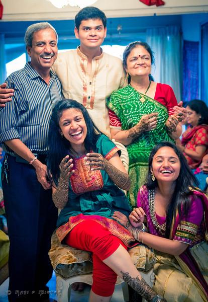 Jay Pooja Mehandi-362.jpg