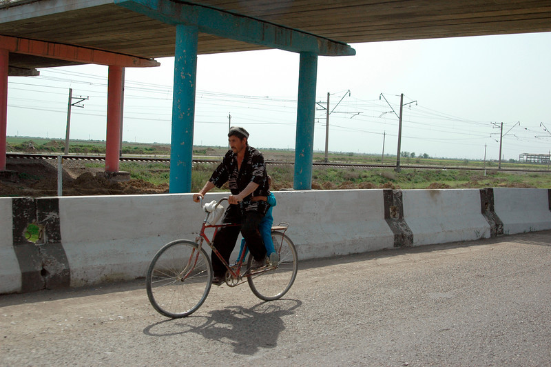 050427 3828 Uzbekistan - Samarkand - Road Trip to Tashkent _D _E _I ~E ~L.JPG