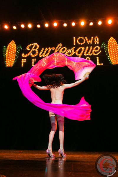 burlesque day2 edits (236 of 123).jpg