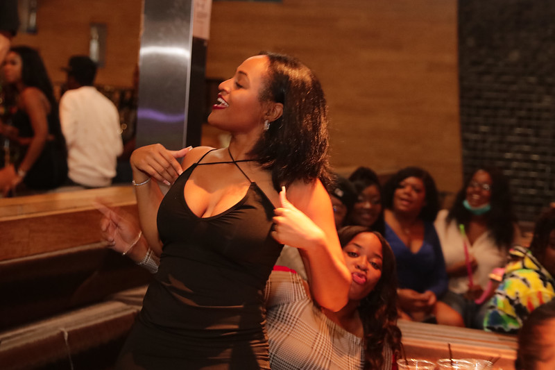 Wednesday, November 25 , 2020 Atlanta Ga at Suite Lounge #Crablegs&Karaoke