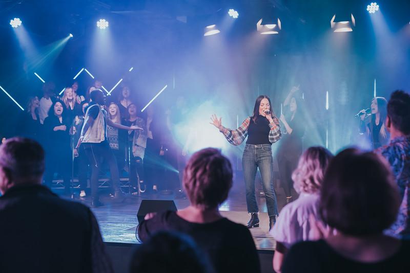 singers_singing.JPG