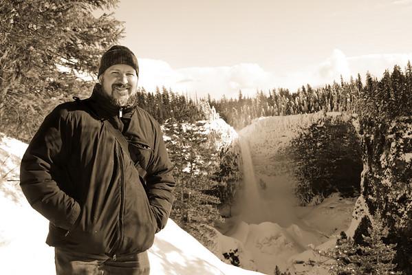 Family - Helmcken Falls, British Columbia, Canada