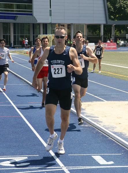 John Willett  800m.jpg