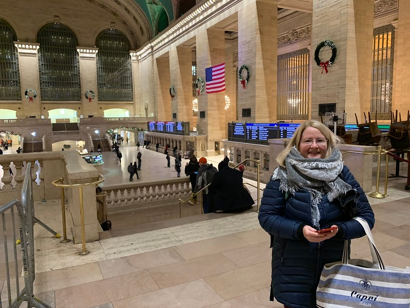 2019-12-19 Sharon in Grand Central Station NYC - 4.JPEG