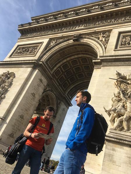 paris arc de triomphe (114).JPG
