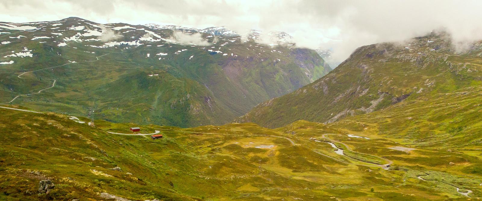 北欧风光,山顶的雪景