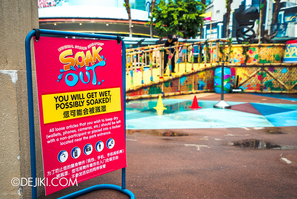 Universal Studios Singapore - Park Update May 2016 / Universal Studios Singapore Soak Out Water Party WET Warning