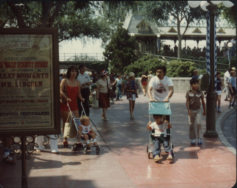 1979 Disneyland-13.jpg