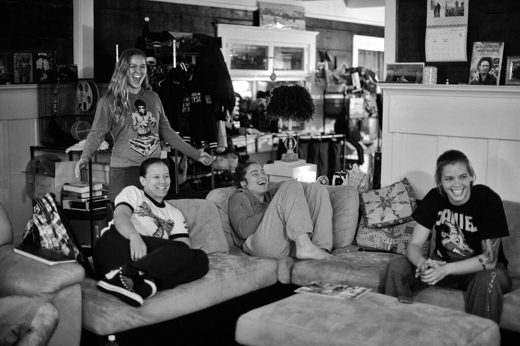 . Ronda Rousey, Shayna Baszler, Marina Shafir and Jessamyn Duke watch WWE Monday Night Raw at their Venice home. (Photo by Hans Gutknecht/Los Angeles Daily News)