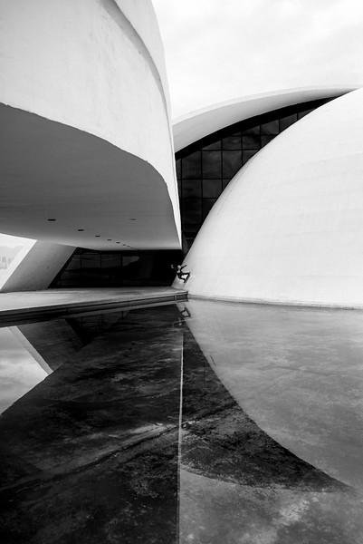 FERNANDO_DENTI_FAKIE_WALLRIDE_NIEMEYER_NITEROI_RIO.jpg