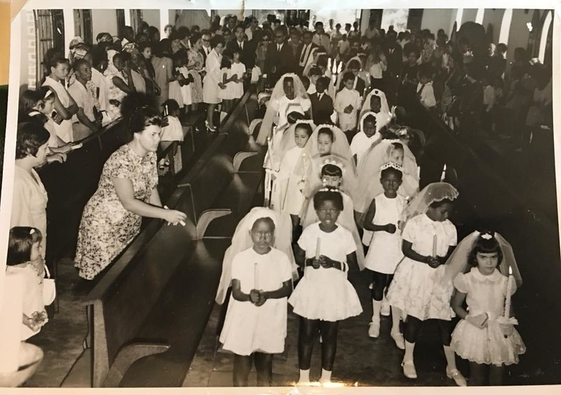 Lourdes Carreira e meninas de vela.jpg