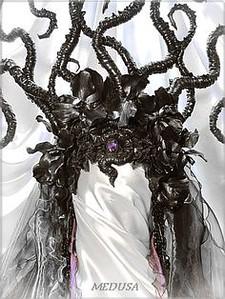 29306ed02dbb0297963b87727ceeb6ab--medusa-hair-medusa-costume.jpg