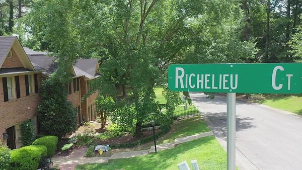 2027 Richelieu Ct Hoover 35216