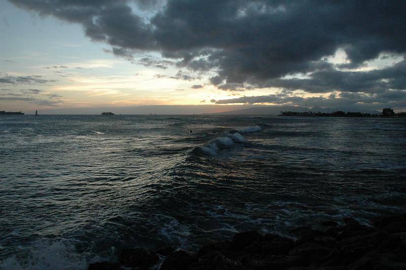 Hawaii - Ala Moana Beach Sunset-83.JPG