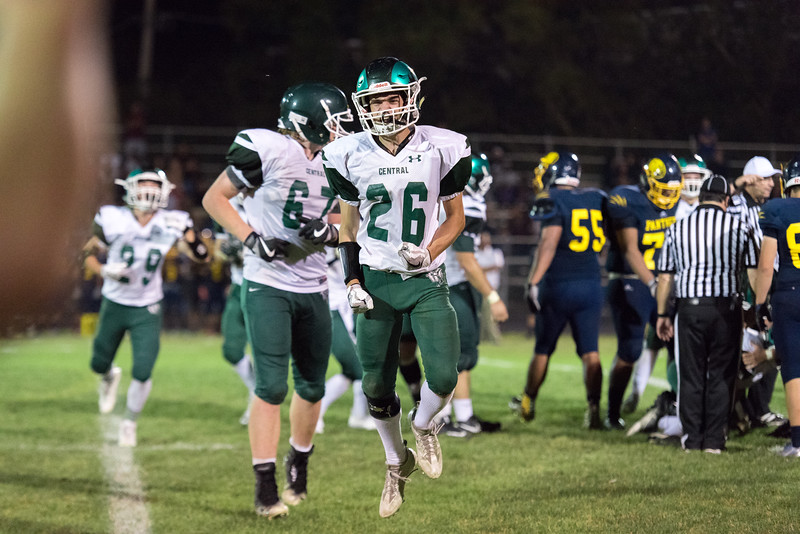 Wk4 vs Round Lake September 15, 2017-153.jpg
