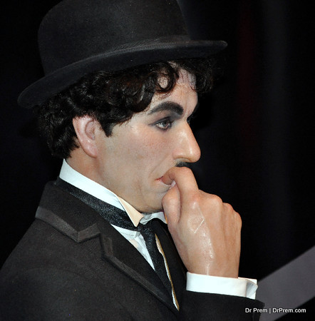 Charlie Chaplin -  Hollywood's Wax Museum - Madame Tussaud's - A Must Watch in LA. Wax Museum displays figures of celebraties which includes hollywood stars, famous television celebrities and famous characters of the movie. Charlie Chaplin was a standup comedian and filmmaker of english movie based in UK