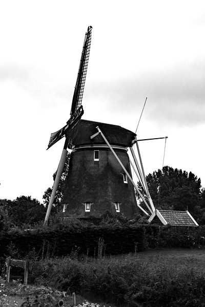 WindmillCountrysideBW.jpg
