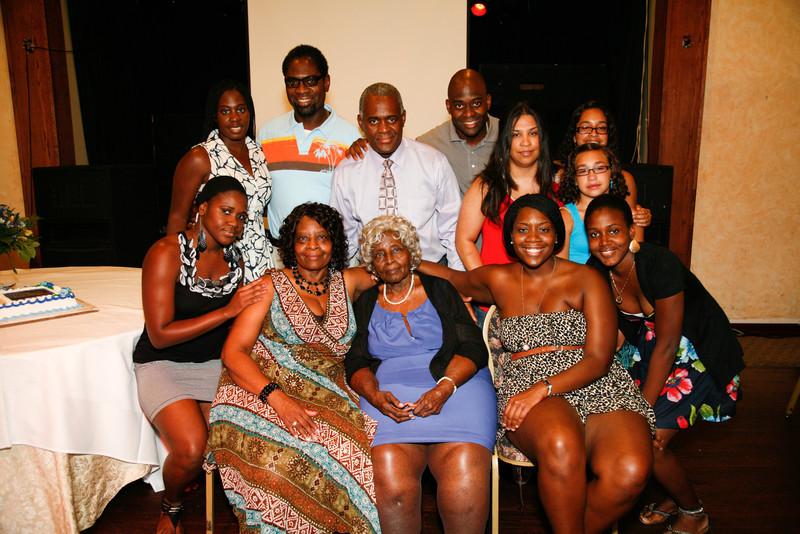 Edouard Family Reunion-3782.jpg