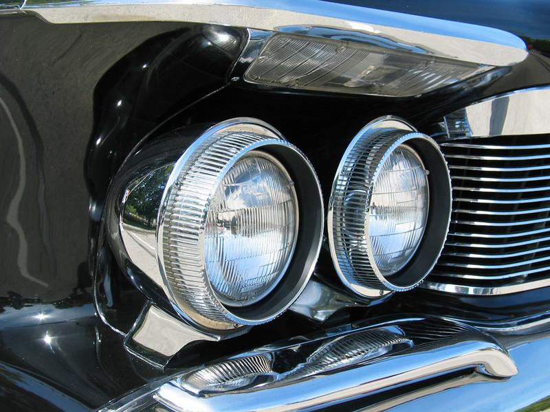 1961 Imperial LeBaron (closeup)