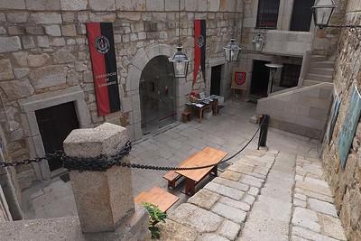 Inside Castello do Queijo