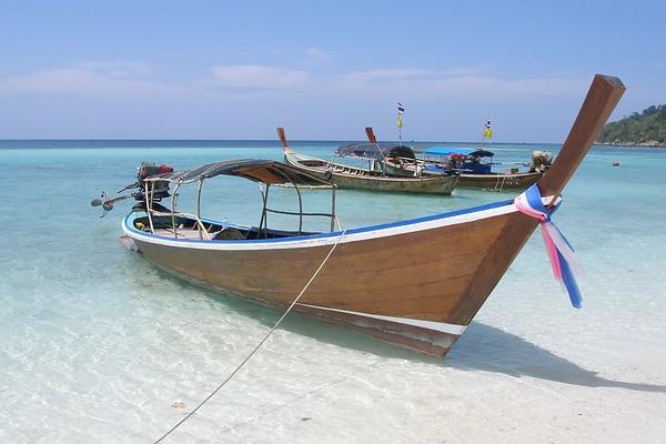Koh Lipe longtail boat (2007-03-307)