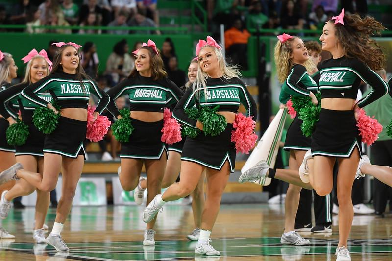 cheerleaders3112.jpg