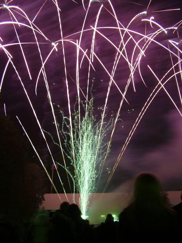 2004_1105putneyfireworks20041.JPG