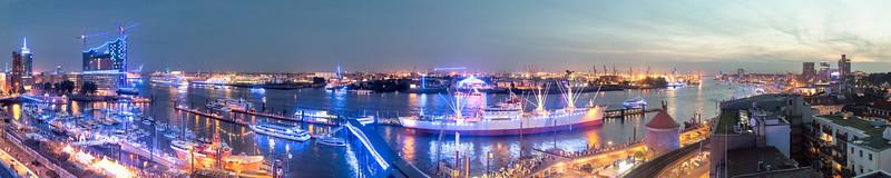 2012 08 17 blauer Hafen Ausblick auf den Hamburger Hafen