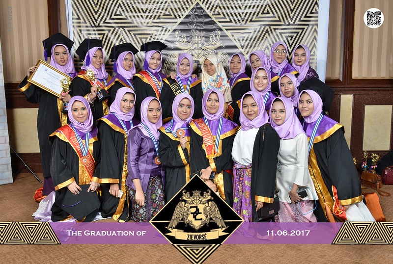 2017-06-11_GradSMAJISC_NK1_0710.jpg