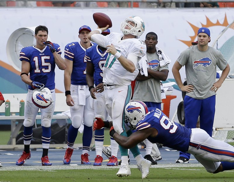. <p><b> Bills at Saints (-11½):</b>  <p>Mario Williams� forced fumble led to a victory last Sunday for the Bills, who have had five of their seven games decided by three points or less. They�re on pace to break the team record for close calls, set by O.J. Simpson in 1994-95. <p>Pick: <b>Saints by 7</b> <p>    (AP Photo/Wilfredo Lee)  <p><b>BYES</b><p> <p><b> Ravens, Bears, Texans, Colts, Chargers, Titans </b>  <br>  <p><b>RECORD</b> <p><b>Week 7:</b> Straight up 9-6, vs. spread 7-8  <p><b>Total:</b> Straight up 68-39, vs. spread 48-56-3   <br><p> Kevin Cusick talks fantasy football, and whatever else comes up, with Bob Sansevere and �The Superstar� Mike Morris on Thursdays on Sports Radio 105 The Ticket. Follow him at <a href=\'http://twitter.com/theloopnow\'>twitter.com/theloopnow</a>.