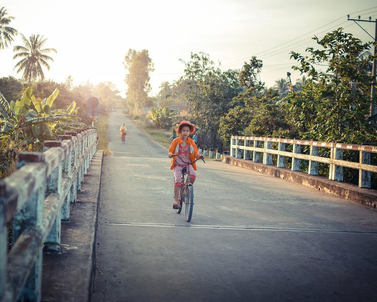 vietnamgirlmorning.jpg