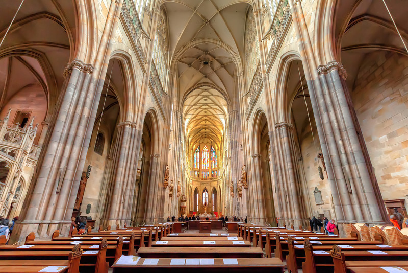 Inside the St. Vitus Cathedral A handheld HDR from a single raw at 2000 ISO? I didn't even take this so I edit it, just to have a photo that I was there :). But as you can see, it doesn't look that bat at all.