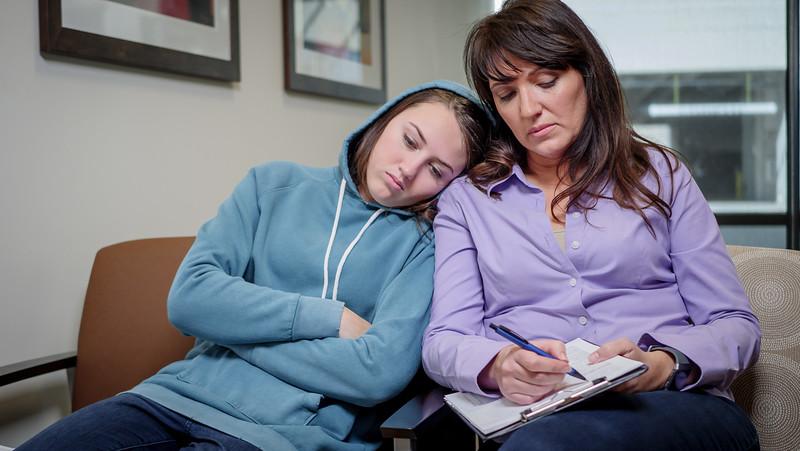 120117_15341_Hospital_Mom Daughter ER.jpg