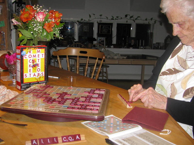 scrabble with Momb July 2 09.jpg