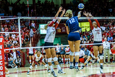 UW Sports - Volleyball - September 02, 2016