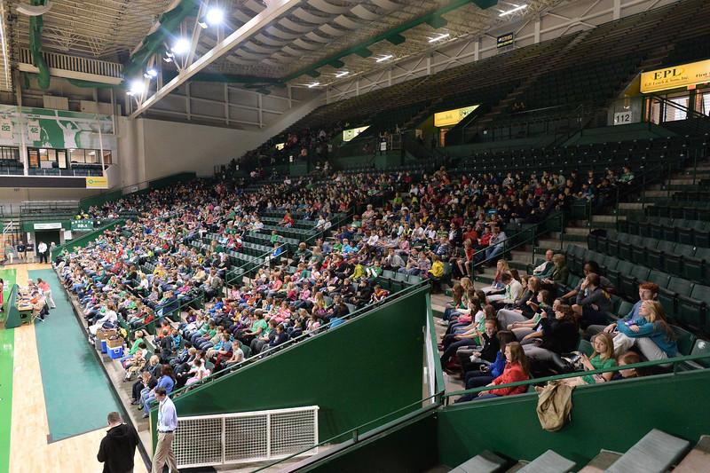crowd4975.jpg