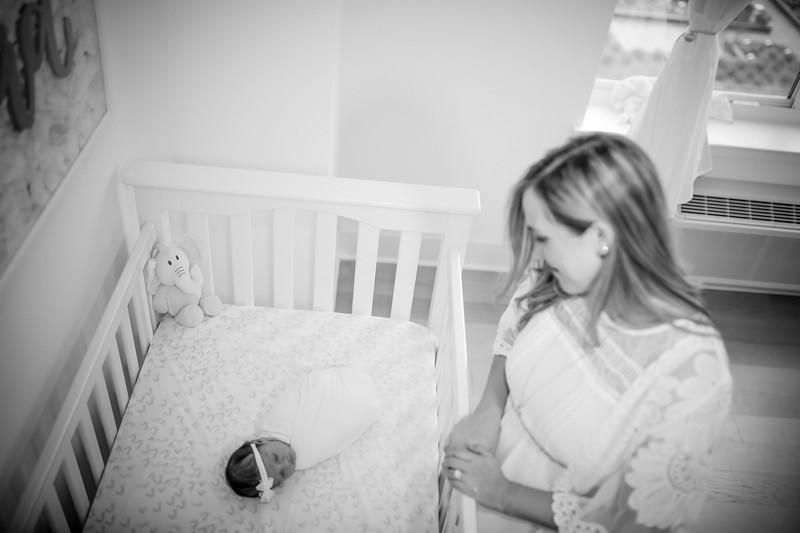 bw_newport_babies_photography_hoboken_at_home_newborn_shoot-5198.jpg