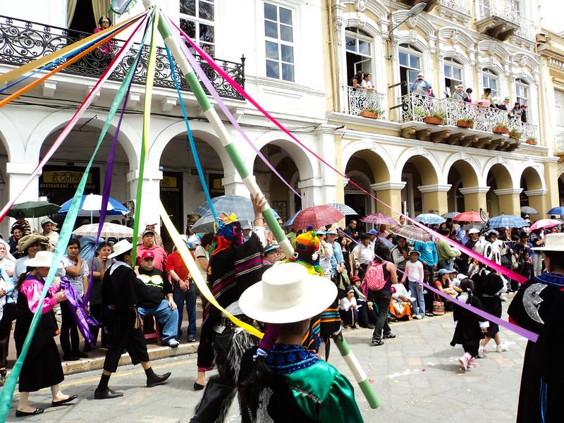 el-pase-del-nino-viajero-parade_5289977615_o.jpg