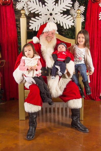 Santa 12-16-17-403.jpg