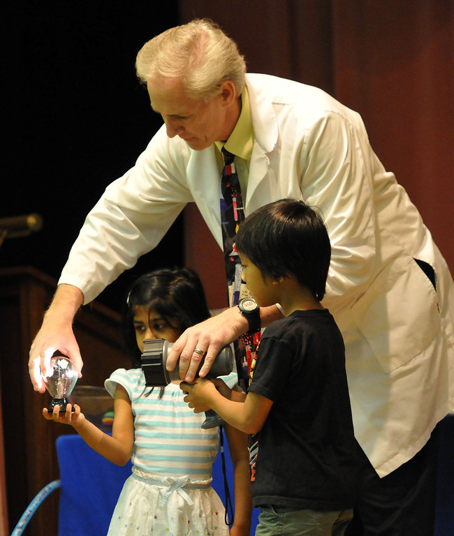". (John Valenzuela/ Staff Photographer)  Rich Blagden of Achieve Science a.k.a ""Mr. B the Science Guy\"" brought his interactive science show to the Contemporary Club, kicking off the start of the Summer Reading Program."