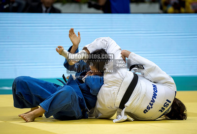 2013 Rio De Janeiro Worlds 130829A4291: Yarden Gerbi of Israel (white) strangles Kana Abe of Japan into submission to reach the u63kgs fina....