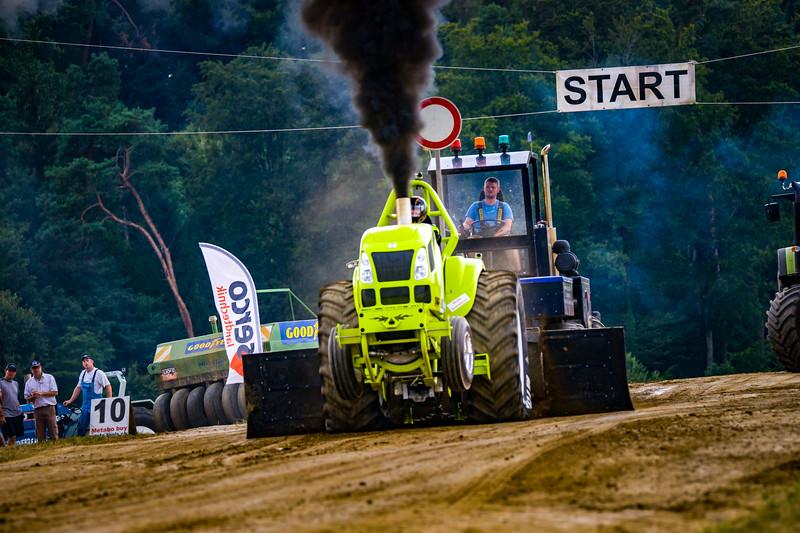 Tractor Pulling 2015-02518.jpg